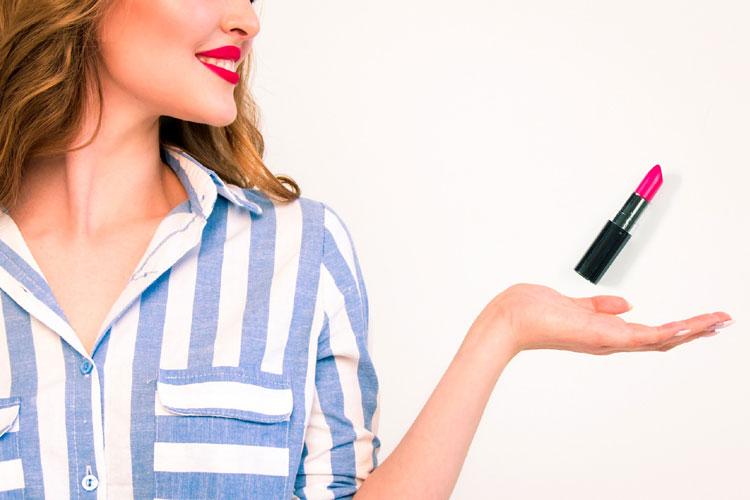 卒業袴写真のリップは口紅!おすすめの選び方や撮影のための塗り方を紹介7