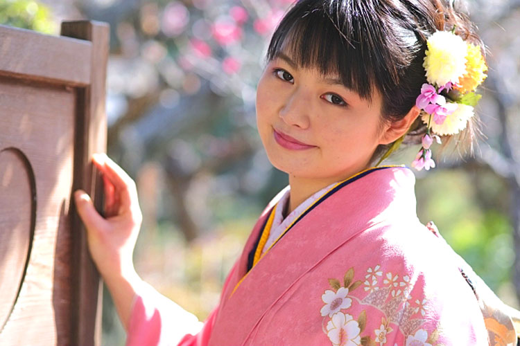卒業袴写真の人気髪飾りまとめ!選び方や購入場所・相場も紹介2