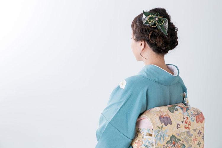 ママの七五三写真アイメイクは着物に合わせる!アイテムの色や種類選びとメイク方法を紹介3