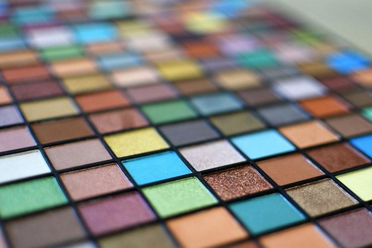 ママの七五三写真アイメイクは着物に合わせる!アイテムの色や種類選びとメイク方法を紹介6
