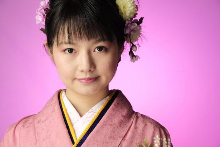 振袖女子の成人式写真メイク2020_1