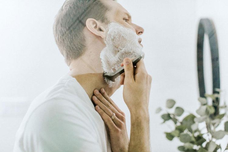 男の成人式写真は髭あり髭なしどちらもかっこいい!印象や注意点を紹介4