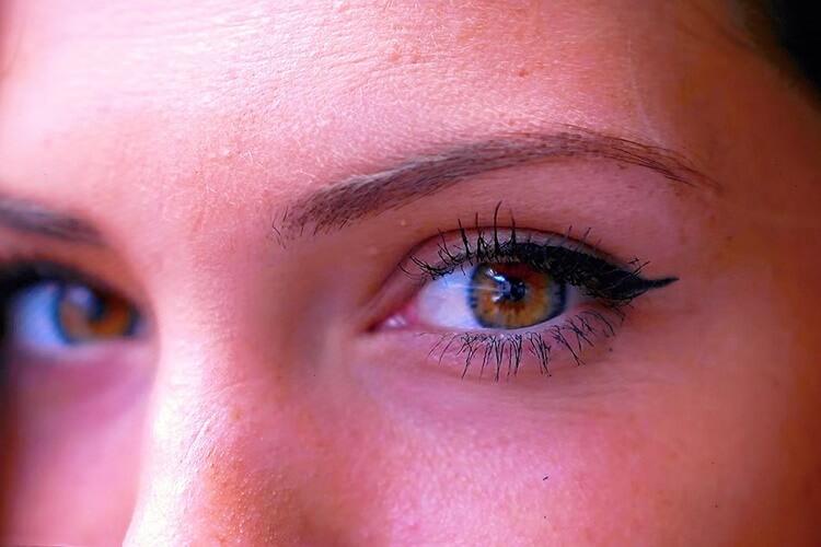 就活写真で眉はどう描く?適した色や初心者でもわかる描き方をプロが解説2