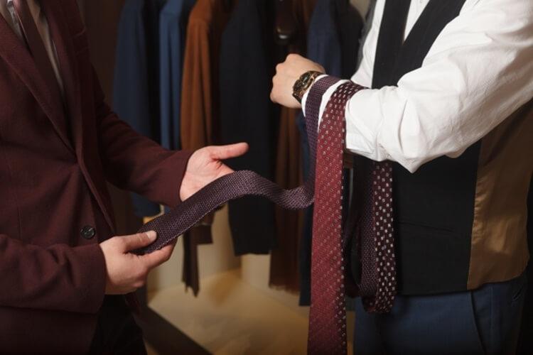 就活写真のネクタイは何色?おすすめの色・柄・結び方・注意点を解説!