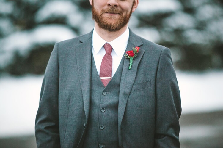 就活写真のネクタイは何色?おすすめの色・柄・結び方・注意点を解説!1