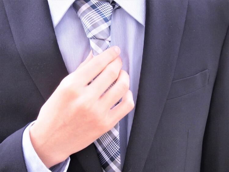 男性が婚活写真を撮る時の服装は?スーツの選び方を詳しく解説10