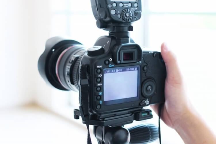 婚活写真の撮影で自撮りはアリ?好印象を与える自撮りのやり方を解説10