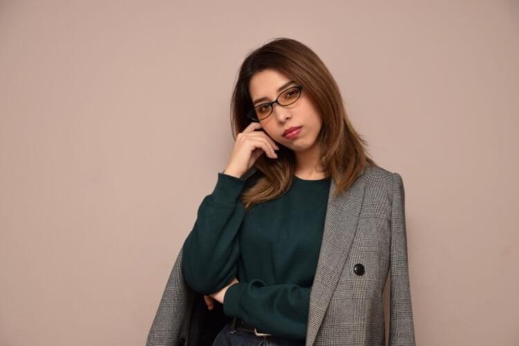 婚活写真にメガネ着用はNG?プロがおすすめの眼鏡も紹介!8