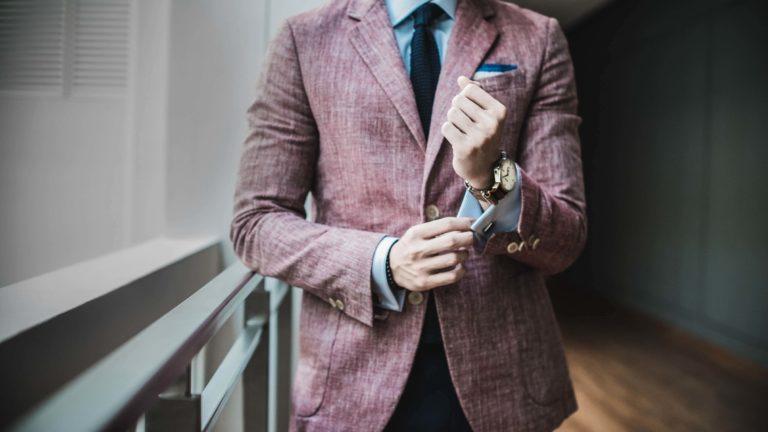 これさえ見ればバッチリ!ビジネスプロフィール写真に適した男性の服装9