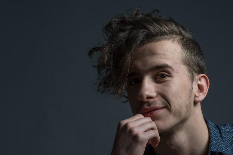 髪型によってビジネスプロフィール写真の印象が変わる!男性におすすめの髪型を紹介1