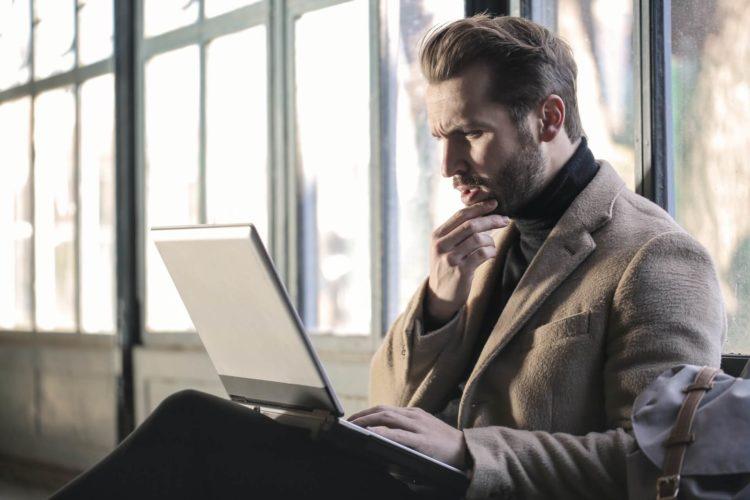 ひげはビジネスプロフィール写真でOK?ヒゲが濃い人の対処法も紹介1