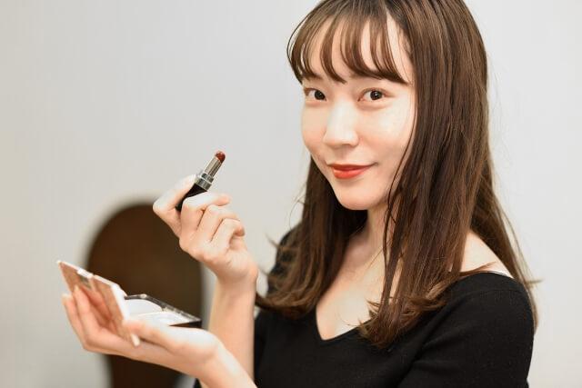 婚活・お見合い写真に適したリップで女性らしい唇を演出!色や質感を紹介1