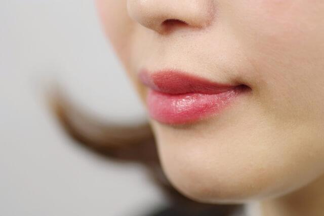 婚活・お見合い写真に適したリップで女性らしい唇を演出!色や質感を紹介11