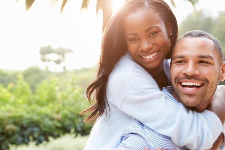 婚活・お見合い写真でカラコンはNG?好印象を叶えるアイテムの特徴をご紹介2