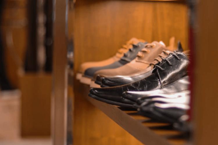 ビジネスプロフィール写真は足元を見られる!男性の靴の選び方を紹介3