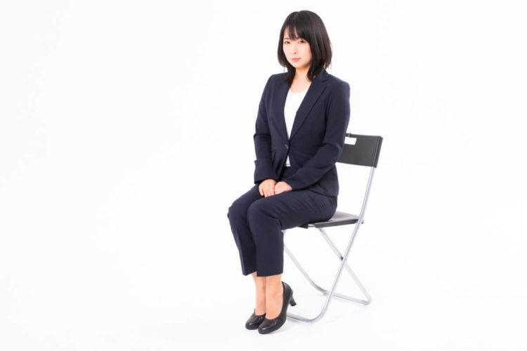【女性向け】ビジネスプロフィール写真で印象を良くする靴の選び方3