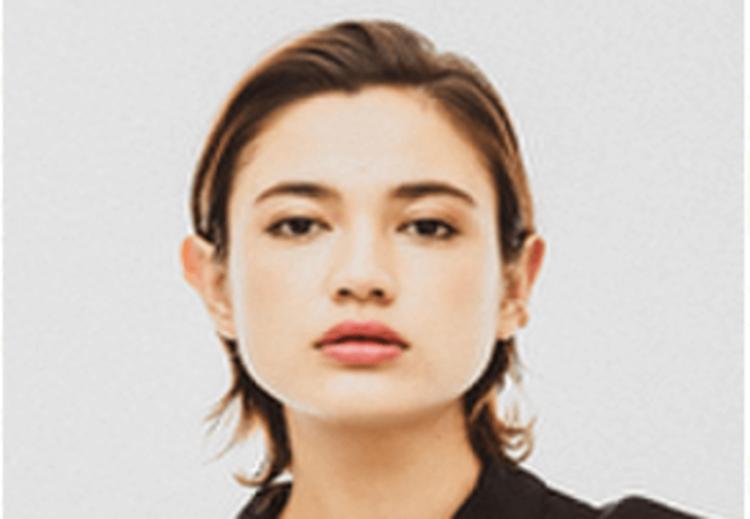 【女性】宣材写真の前髪は上げる?分ける?おすすめの前髪3つを紹介4