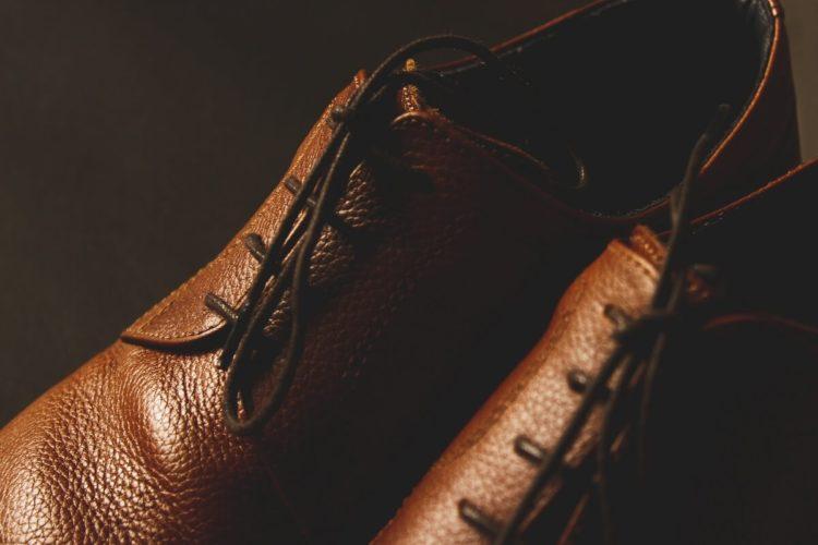 ビジネスプロフィール写真は足元を見られる!男性の靴の選び方を紹介4