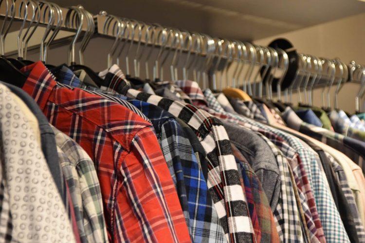 仕事がくる宣材写真を撮るために男性はどんな服装をすればいいのかを解説4
