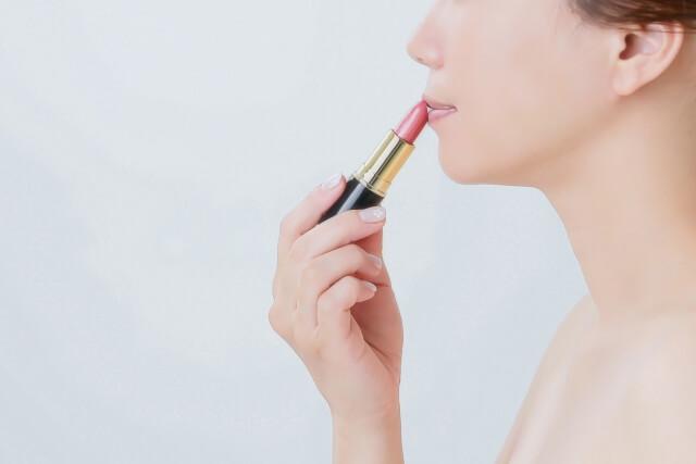 婚活・お見合い写真に適したリップで女性らしい唇を演出!色や質感を紹介4