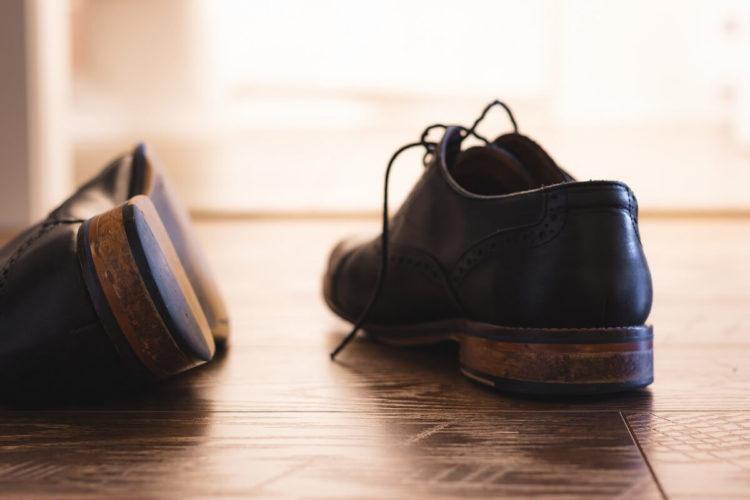 ビジネスプロフィール写真は足元を見られる!男性の靴の選び方を紹介6