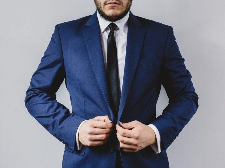 男性がビジネスプロフィール写真を撮るのに適したスーツは?選び方を解説6