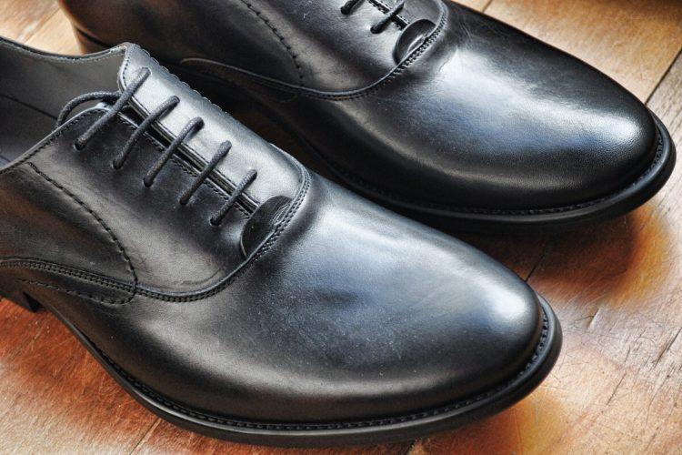 ビジネスプロフィール写真は足元を見られる!男性の靴の選び方を紹介7