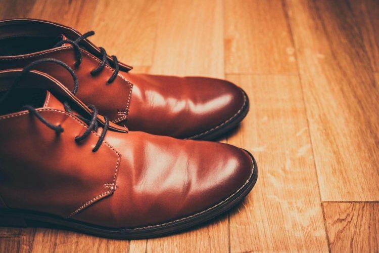 ビジネスプロフィール写真は足元を見られる!男性の靴の選び方を紹介9