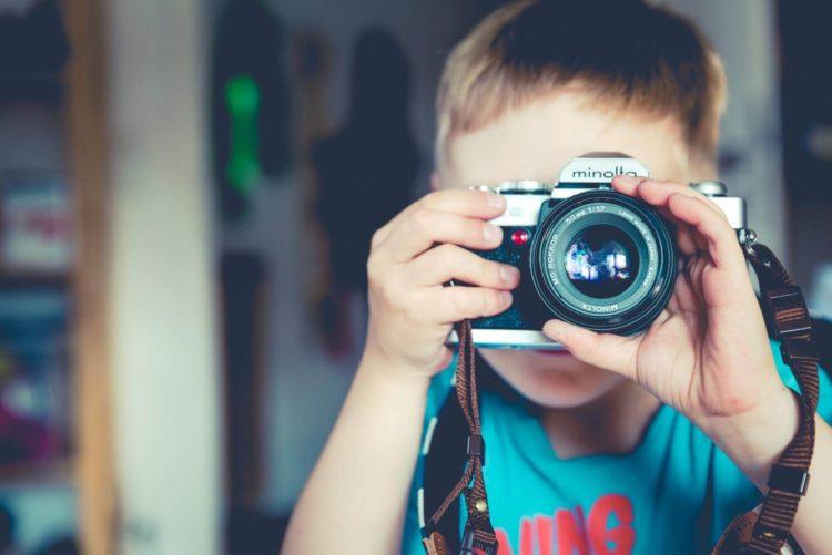 【親御さん向け】仕事もらうために子役の宣材写真は重要!撮り方を解説1