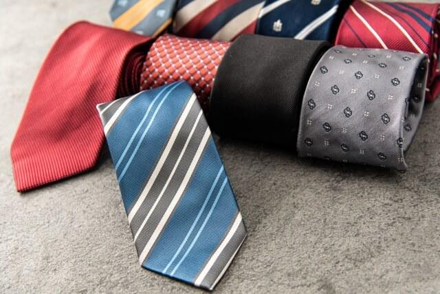 ビジネスプロフィール写真におすすめのネクタイや結び方を紹介1