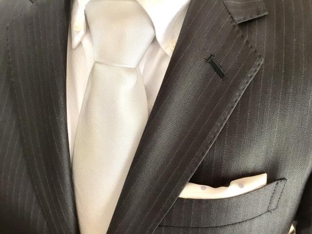 ビジネスプロフィール写真におすすめのネクタイや結び方を紹介11