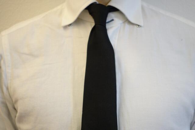 ビジネスプロフィール写真におすすめのネクタイや結び方を紹介3