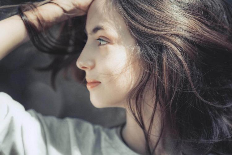 【女性の髪型】マイナンバー写真の規格やセットポイントを紹介3