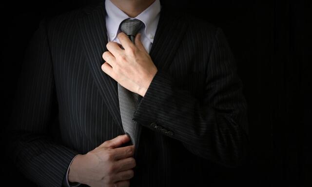 ビジネスプロフィール写真におすすめのネクタイや結び方を紹介5