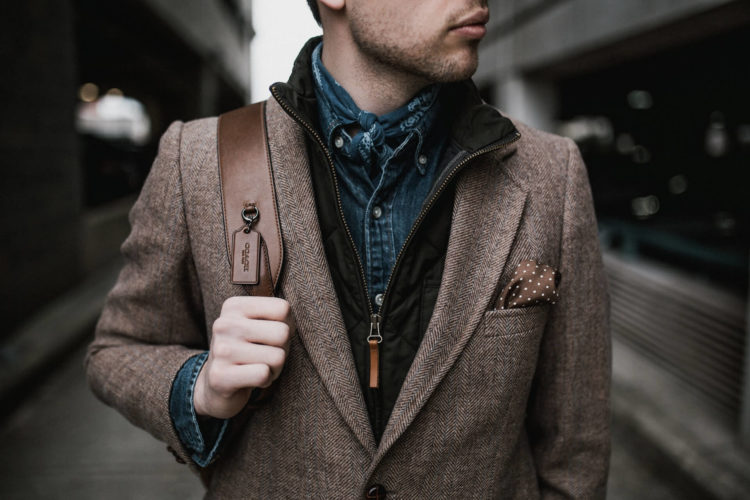 男性の運転免許証写真で写りが良くなる服・悪くなる服の特徴を紹介5