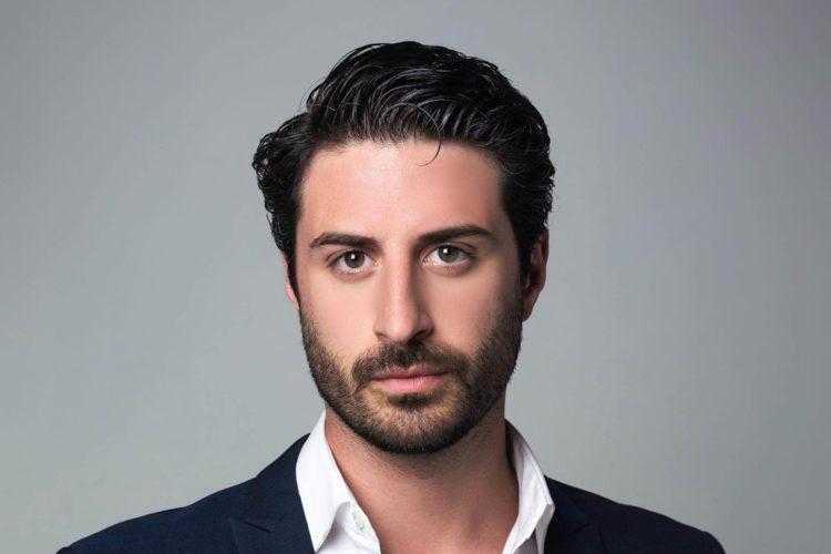 運転免許証写真の髪型【男性編】写真の規格や適した髪型とそのセット方法を紹介7
