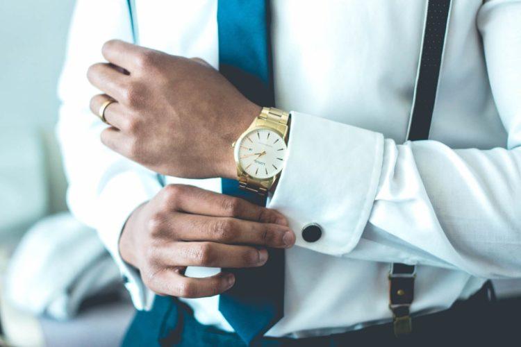 【男性向け】ビジネスプロフィール写真で着るべきシャツを紹介7