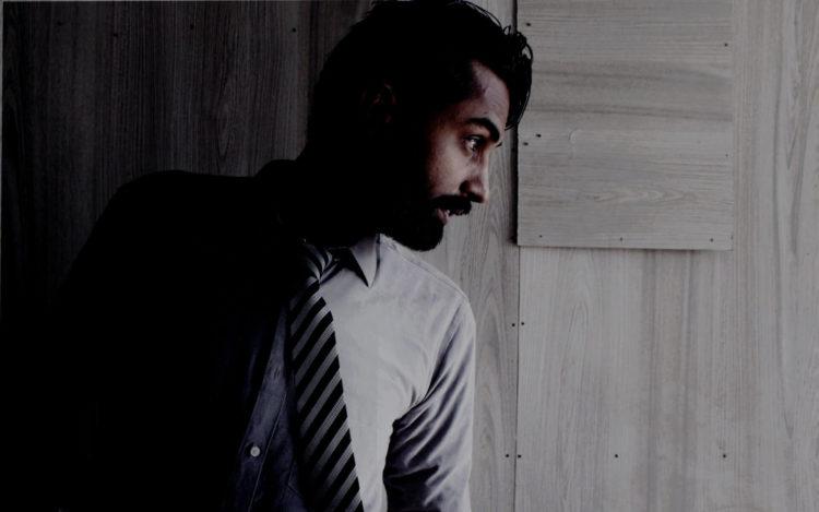 【男性向け】ビジネスプロフィール写真で着るべきシャツを紹介8