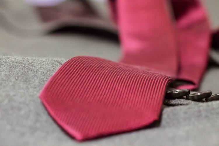 七五三写真でパパはネクタイ付けて!適した選び方やおすすめの結び方を紹介13