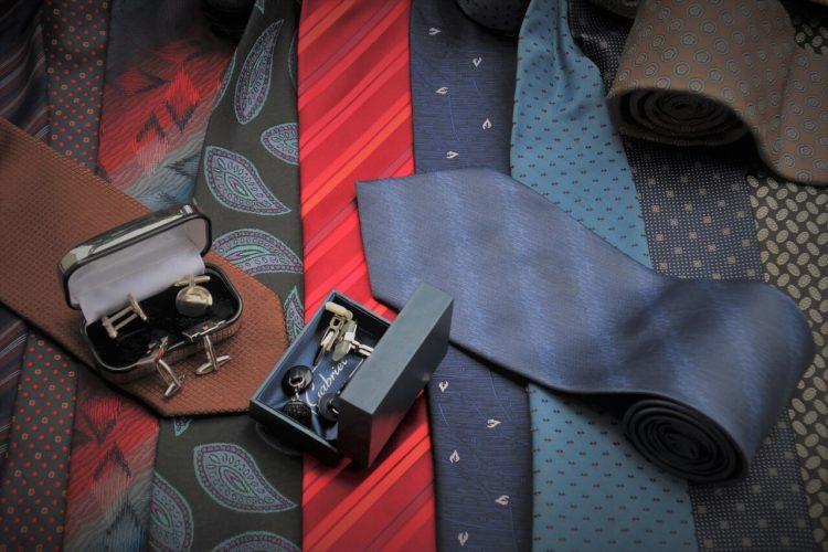 七五三写真でパパはネクタイ付けて!適した選び方やおすすめの結び方を紹介2