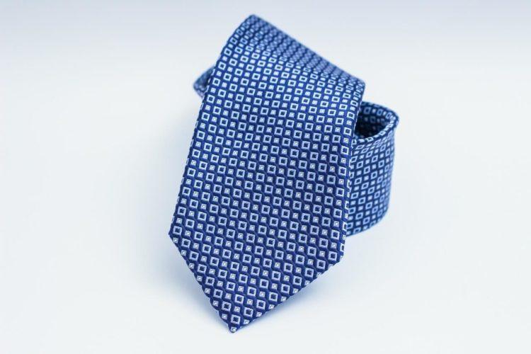 七五三写真でパパはネクタイ付けて!適した選び方やおすすめの結び方を紹介9
