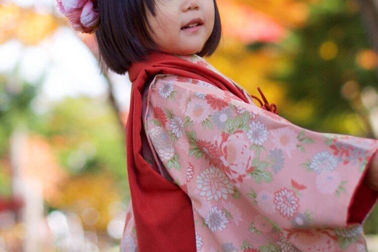 【七五三写真】3歳女の子のかわいい髪型とママでも簡単なお家でのセット方法5