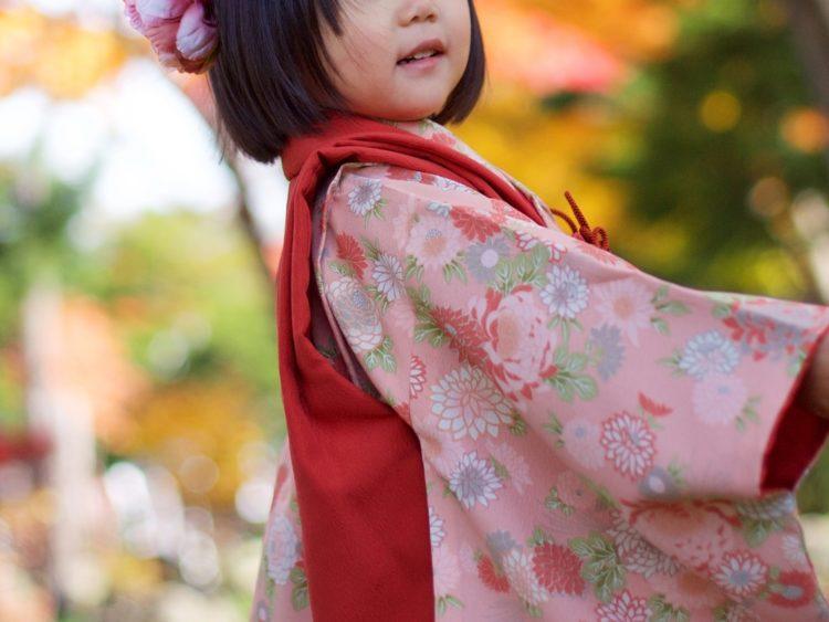 7歳女の子のおしゃれな七五三写真の髪型とセルフセット方法を長さ別に紹介3