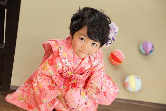 7歳女の子のおしゃれな七五三写真の髪型とセルフセット方法を長さ別に紹介4