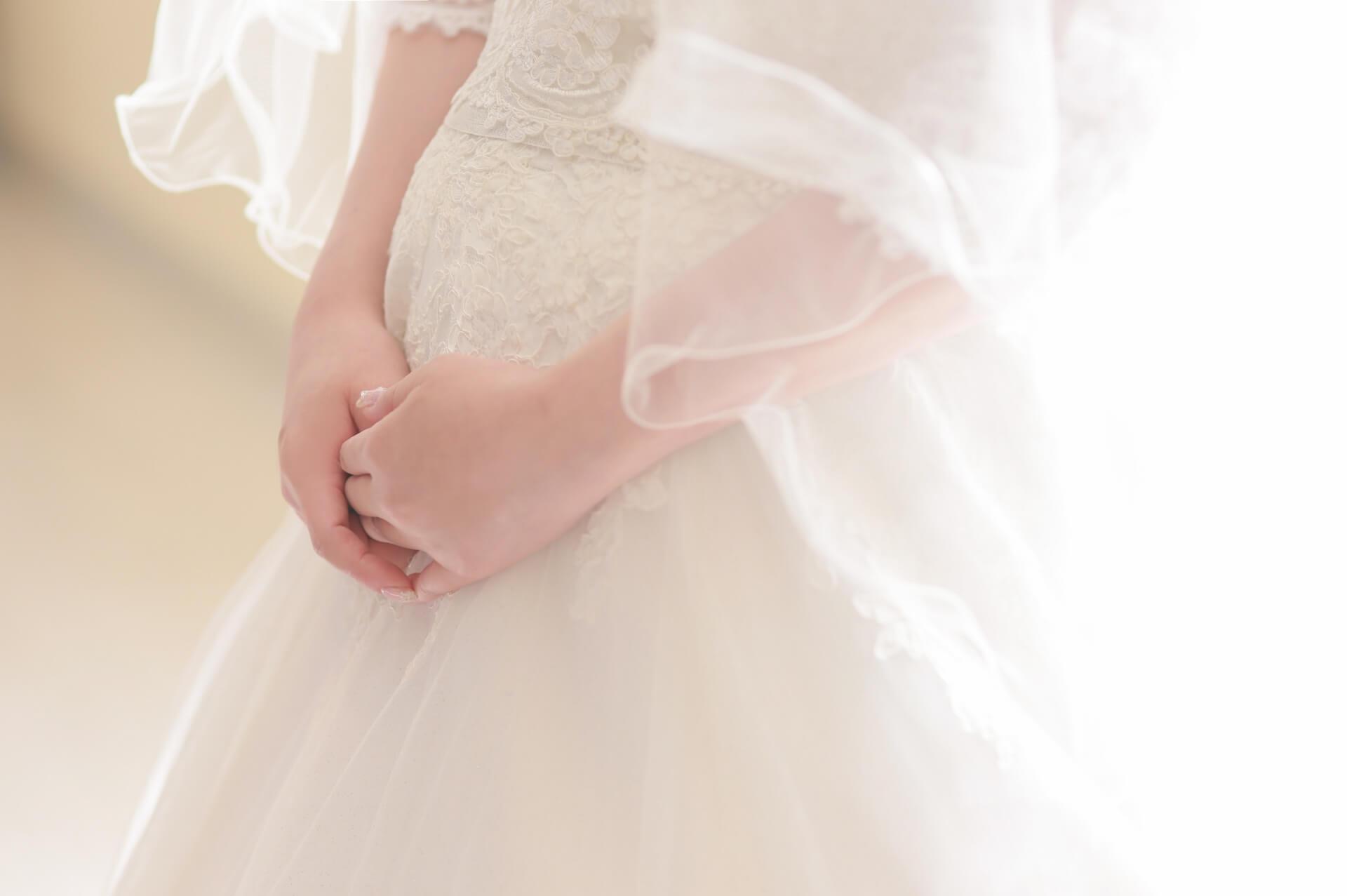 授かり婚カップルはウェディング&マタニティフォト|写真館の選び方やポーズや費用を紹介