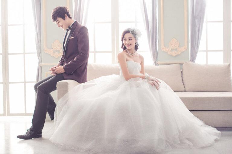 フォトウェディングの花嫁ドレス|形・色・ブランド・体型・年代別の選び方