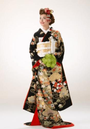フォトウェディングの和装は白無垢・色打掛・引き振袖のどれ?花嫁に人気の柄や定番の色を紹介5