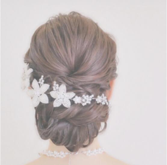 ミディアムの花嫁に人気のフォトウェディング髪型スタイル&髪飾り11