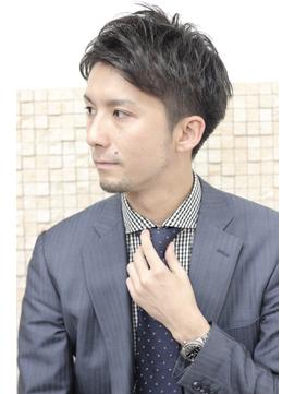 【新郎】フォトウェディングの髪型まとめ|顔の形や服装から選ぶ!14