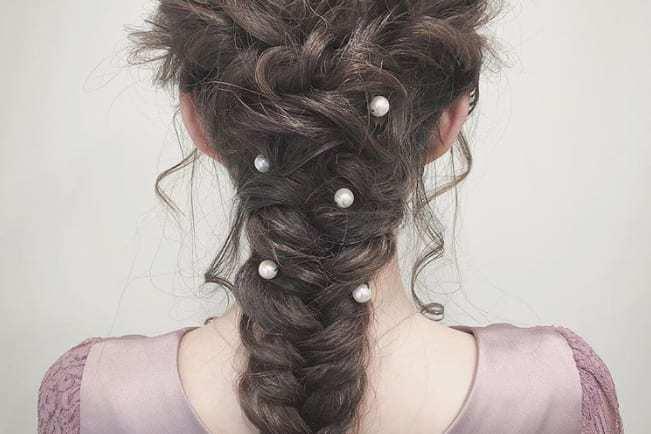 ミディアムの花嫁に人気のフォトウェディング髪型スタイル&髪飾り10